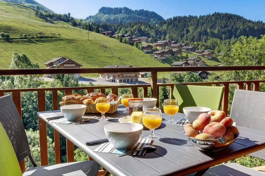 balcon-grand-bornand-location-appartement-lux.jpg